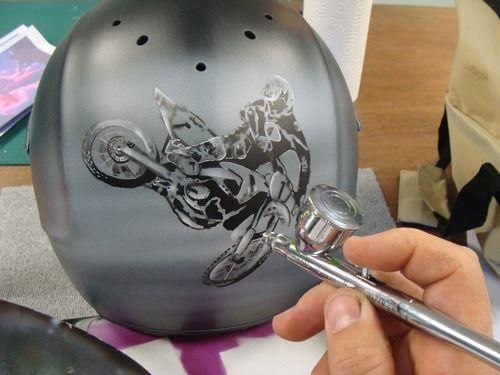 Coloriage de casque de moto
